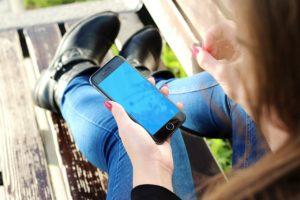 smartphone-probably-isnt-destroying-relationships